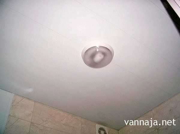 потолок из пвх панелей в ванной своими руками фото