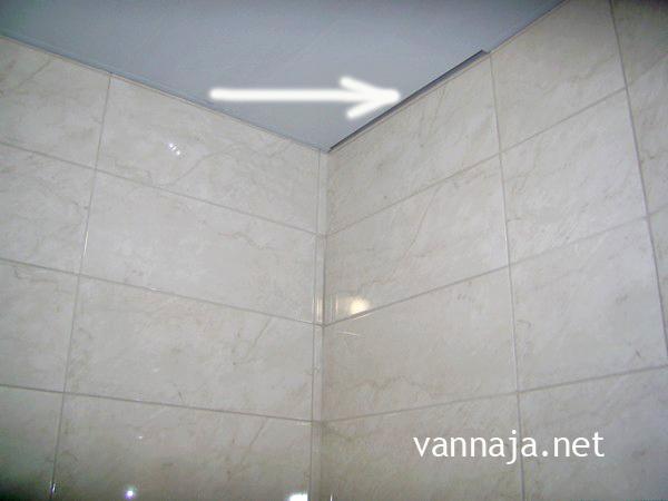 как сделать потолок в ванную пластиковый своими руками фото