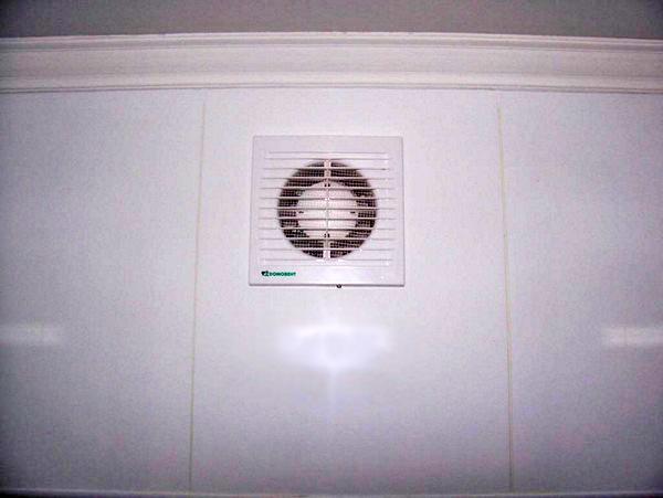 как сделать вентиляцию в ванной фото