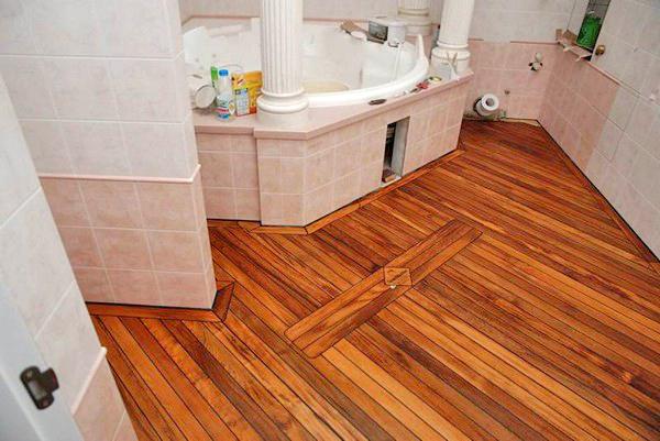 напольное покрытие из дерева для ванной фото