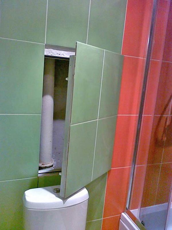 как скрыть трубы в ванной: ревизионный люк фото