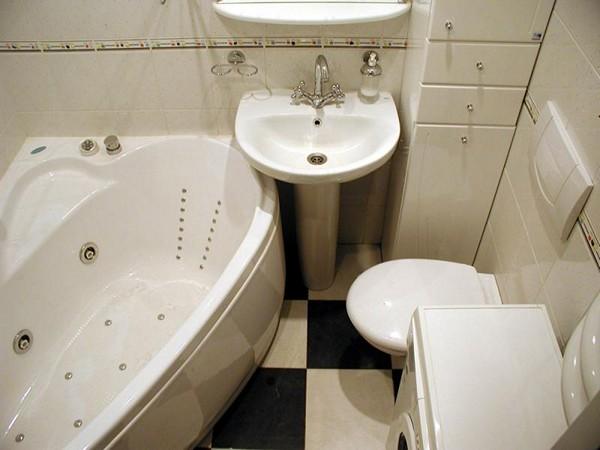 Дизайн маленькой ванной: как зрительно расширить пространство