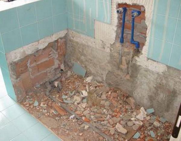 ремонт в маленькой ванной демонтажные работы фото