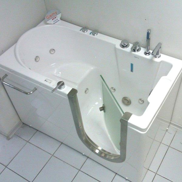 Ванна сидячая: разновидности, преимущества, недостатки, как ее выбрать