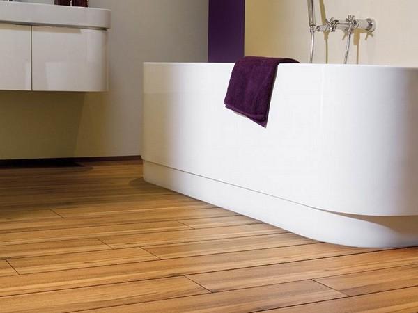 Водостойкий ламинат для ванной: его особенности и нюансы укладки
