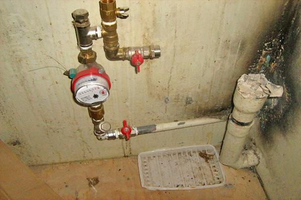 установка счетчика холодной воды фото
