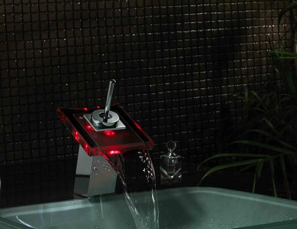 смеситель водопад с подсветкой фото
