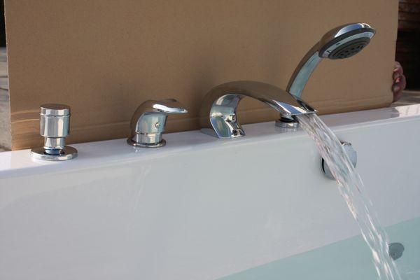 встраиваемый смеситель для ванны фото