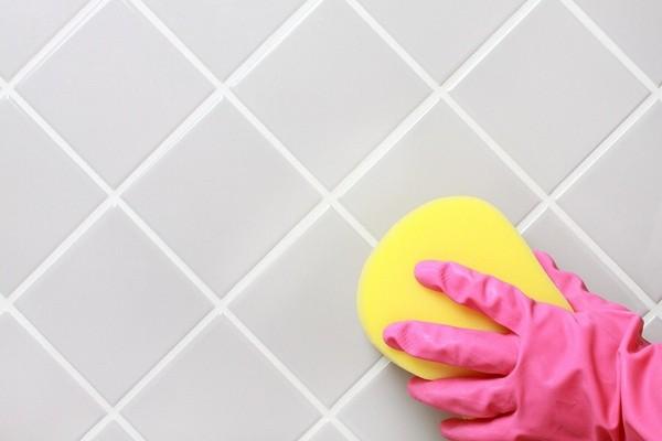 Как очистить швы между плиткой: способы устранения загрязнений кафеля