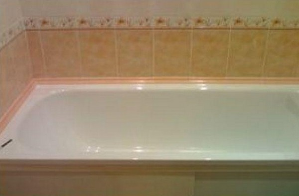 керамический угловой бордюр для ванны фото