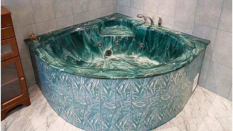 угловая ванна из искусственного камня фото