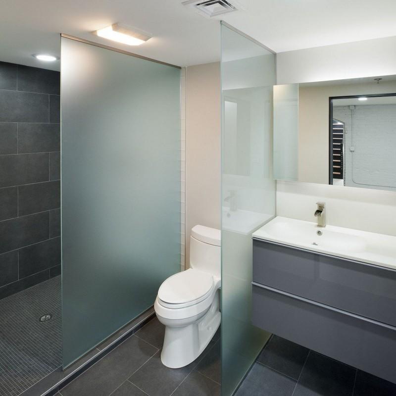 пример оформления серой ванной фото