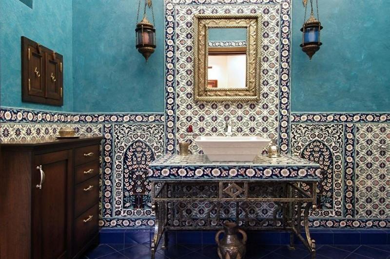 бирюзовая ванная в восточном стиле фото
