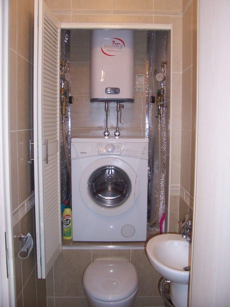 туалет с раковиной и стиральной машиной фото