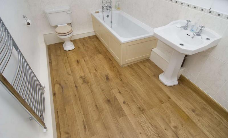 ламинат на полу в ванной фото