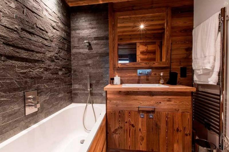 мебель для ванной под дерево фото
