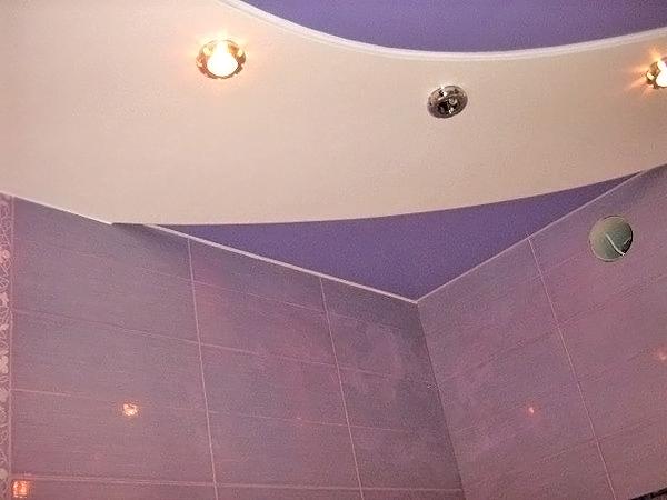 потолок из гипсокартона в ванной фото