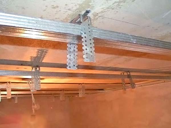 как сделать потолок из гипсокартона в ванной фото