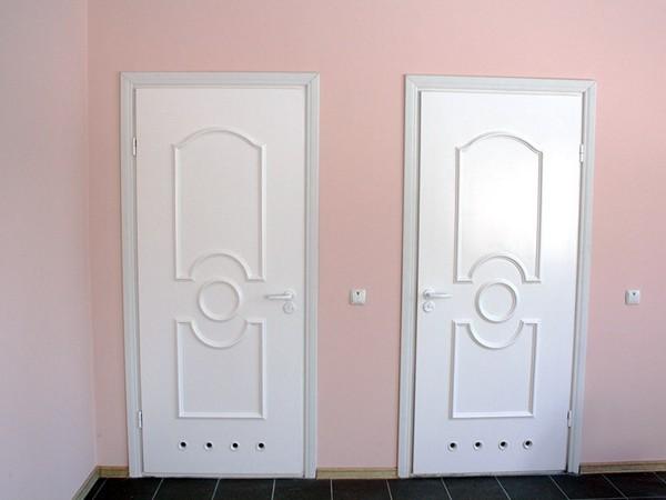 плюсы и минусы пластиковых дверей в ванную