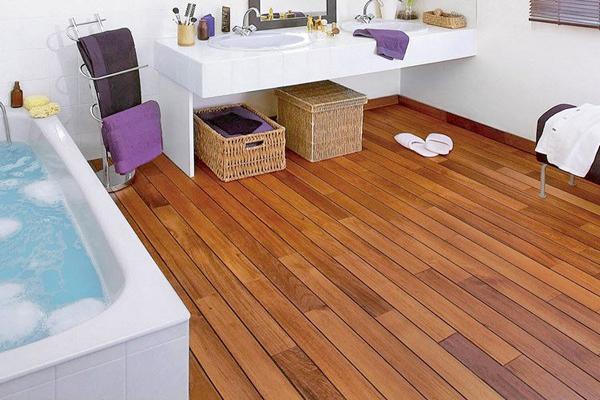 как сделать пол из дерева в ванной
