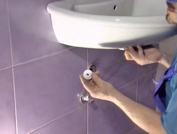 установка раковины в ванной своими руками фото