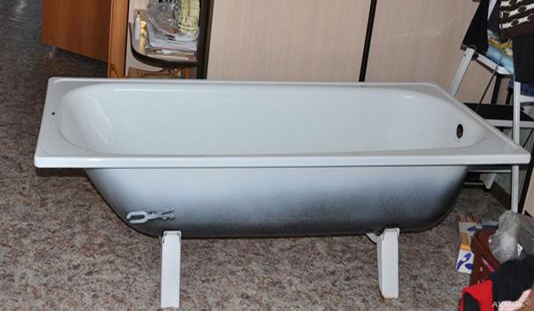 установка стальной ванны фото