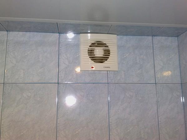 Вытяжка для ванной комнаты своими руками