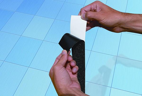 монтаж бордюрной ленты для ванной своими руками фото
