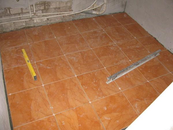 как выбрать кафель на пол в ванную
