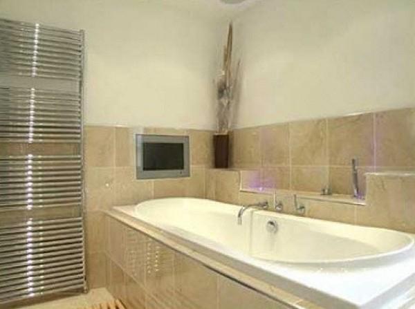 телевизор для ванной фото