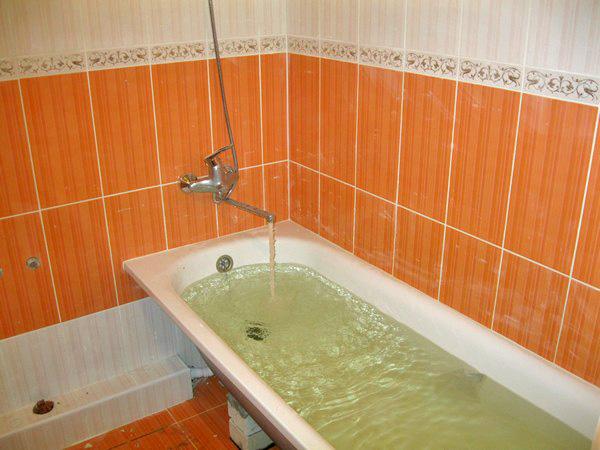 ванна на кирпичах фото