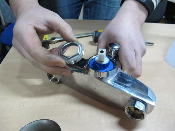 ремонт смесителя для ванной фото