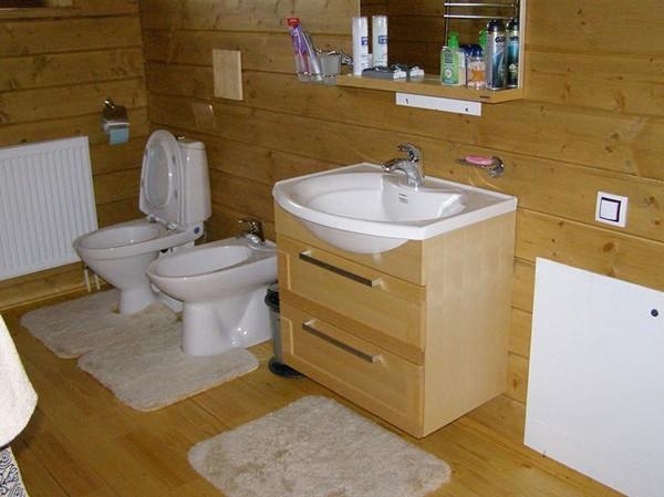 Как сделать ванную комнату в деревянном доме своими руками видео