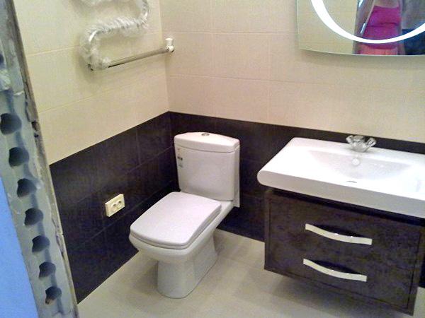 облицовка ванной двери