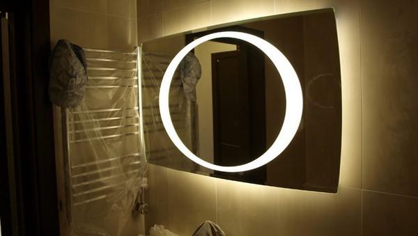 зеркало косметическое с увеличением и подсветкой настенное фото