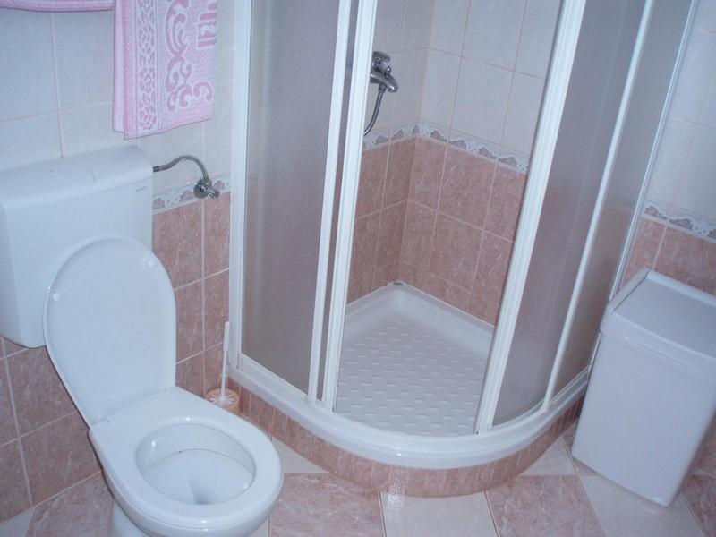 дизайн ванной в хрущевке с душевой кабиной фото